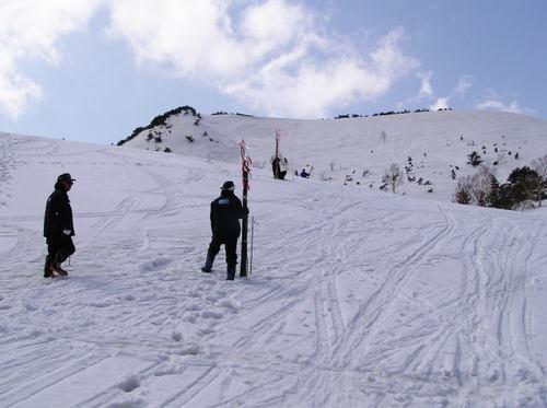 残雪期の目印設置